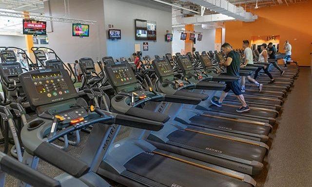 spacious cardio floor in modern gym